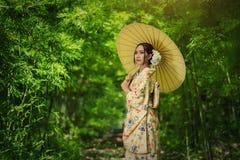 Japanse vrouwenkimono stock foto