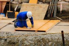 Japansk arbetare i handling Arkivfoton