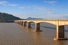 Japansk bro över Mekonget River i Laos Royaltyfri Fotografi