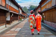 Japansk Geisha på Higashi-Chayaen-gai - Geisha District i Kanazawa Arkivbild