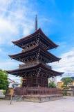 Japansk pagod i den Shitennoji templet, Tennoji, Osaka, Japan Arkivfoto