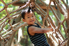 Japansk pojke i idrotts- fält Fotografering för Bildbyråer
