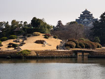 Japansk slott och trädgård Arkivbilder