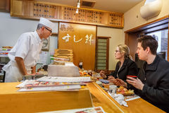 Japansk sushikock Royaltyfri Bild