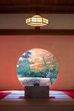 Japansk traditonalarkitektur och trädgård Royaltyfri Fotografi