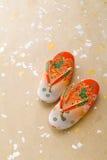 japanska lilla sandals för flicka Arkivbilder