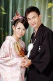 Japanska par, asiatiska par som gifta sig par Arkivfoto