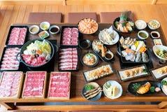 Japanska Sukiyaki och mat arkivbilder