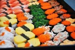 Japanska sushi. Arkivbilder