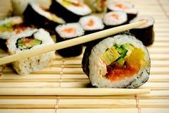 japanska traditionella servettsushi för bambu Royaltyfri Foto