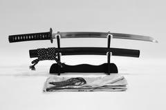 Japanskt svärd på ställning Arkivbilder