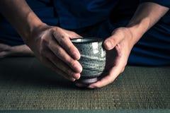 Japanskt te på TATAMI-golvet Arkivfoton