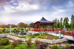 Japanträdgård i Almaty arkivfoto