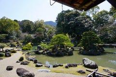 Japanträdgård i den Daigoji templet, Kyoto Arkivfoto
