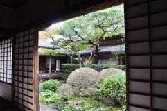 Japanträdgård i Koto-i etttempel av Daitoku-ji Arkivfoto
