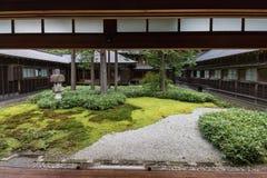 Japanträdgård på Tamozawa den imperialistiska villan i Nikko Royaltyfria Bilder