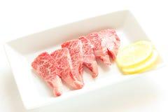 Japończyka marmuru cytryna na białym naczyniu i wołowina zdjęcie stock