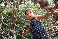 Japońska chłopiec w sportowym polu Zdjęcia Stock