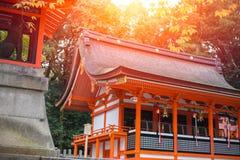 Japońska Czerwona świątynia w Kyoto, Fushimi Inari Taisha świątyni - Obrazy Stock