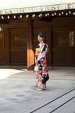 Japońska kobieta w kimonie zdjęcia stock