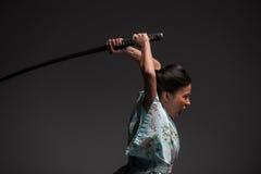 Japońska kobieta z kataną Fotografia Stock