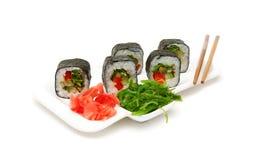 Japońska kuchnia: rolki na talerzu na białym tle Fotografia Royalty Free