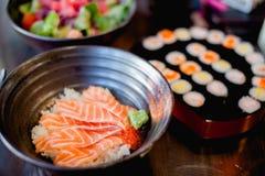 Japoński jedzenie, łosoś/ Obrazy Royalty Free