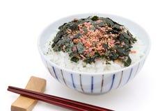 Japoński jedzenie, gotujący ryż z furikake obraz royalty free