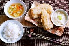 Japoński jedzenie, Japońska kuchnia, lunch, łowi smażącego ustalonego menu Obraz Stock