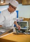 Japoński suszi szef kuchni Zdjęcie Stock