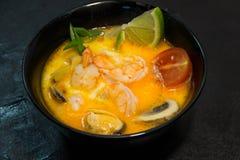 Japoński, Tajlandzki lub Chiński owoce morza posiłek Garnela Zdjęcia Royalty Free