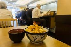 Japońskiego stylu Głęboki Smażący Krewetkowy przepis przy restauracją Fotografia Stock