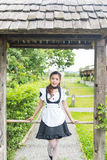 Japońskiego stylu gosposi śliczna dziewczyna zdjęcia royalty free