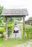 Japońskiego stylu gosposi cosplay śliczna dziewczyna obraz royalty free