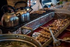 Japończyk piec na grillu uliczny jedzenie Zdjęcia Royalty Free