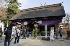 Japonés en la capilla de Sumiyoshi-Taisya Fotografía de archivo