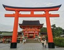 JAPONIA, KYOTO, Wejściowa Fushimi Inari świątynia Zdjęcia Stock