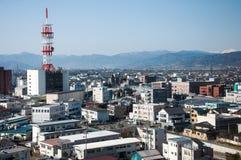Japonia pejzaż miejski w ranku z wysoką anteną Zdjęcia Royalty Free