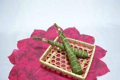 Japonia tradycyjny świętowanie: ryżowi torty zawijający w liściach bambus na Children dniu zdjęcia royalty free