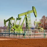 Jaque da bomba de petróleo Imagens de Stock Royalty Free