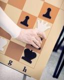 Jaque mate en un juego de ajedrez Imágenes de archivo libres de regalías