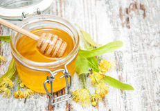 Jar with honey Royalty Free Stock Photos
