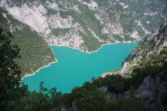 Jar Piva jezioro, Montenegro piękna krajobrazowa natura zdjęcie stock
