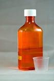 Jarabe líquido de la tos Foto de archivo