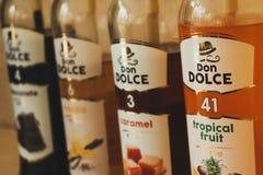 Jarabes para las bebidas calientes fotografía de archivo libre de regalías