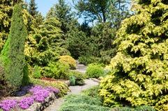 Jardín ajardinado Fotos de archivo libres de regalías