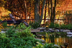 Jardín ajardinado residencial Imagen de archivo libre de regalías