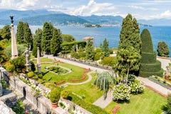 Jardín barroco del parque de la isla Bella - isola Bella del lago Maggiore en Italia Foto de archivo libre de regalías