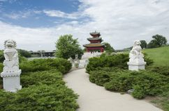 Jardín chino Des Moines Iowa de la orilla del río de la pagoda Fotos de archivo