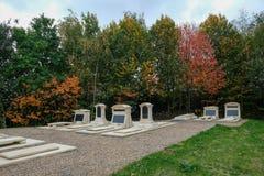 Jardín conmemorativo en el cementerio Foto de archivo libre de regalías